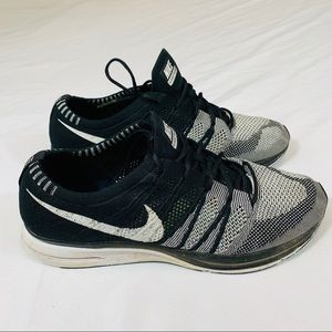 """NIKE FLY KNIT TRAINER """"OREO"""" MENS SIZE 11 SNEAKER"""